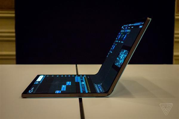 "Intel展示""马蹄弯""折叠屏概念笔记本:这才是PC的未来!"