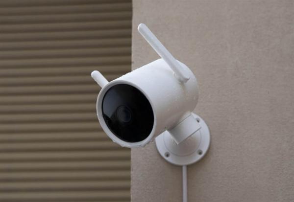 小白智能摄像机户外云台版开卖:270°旋转 超强夜视