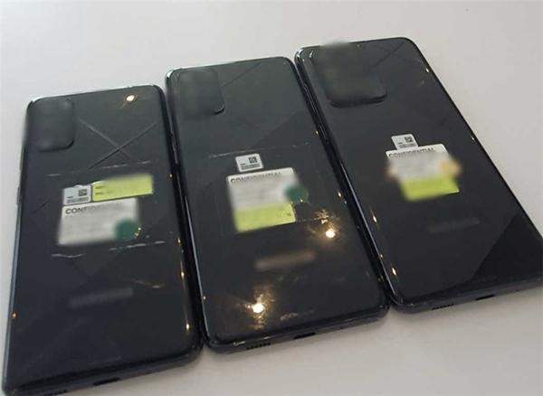 三星Galaxy S20系列手机全阵容真机照曝光:后摄配置不同