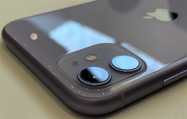 欧盟要求所有手机统一充电接口 为何iPhone不能幸免?