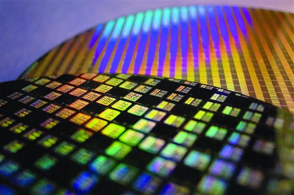 """国产""""7nm""""提速 中芯国际:N+1工艺已进入客户导入阶段"""