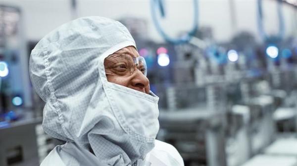 特朗普热情呼唤Intel、台积电:来美国建厂吧