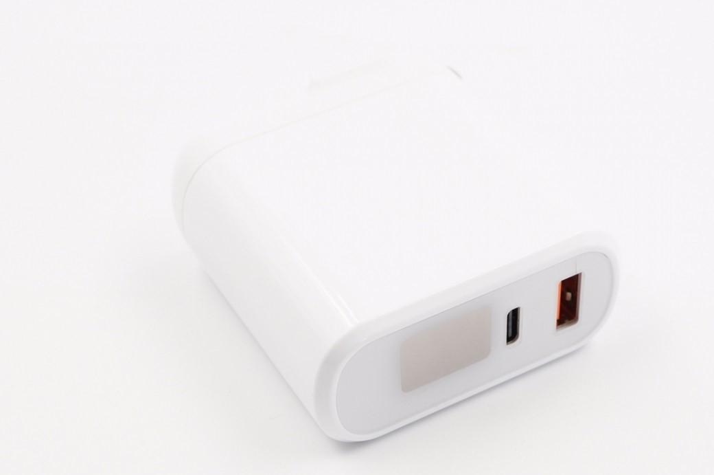 拆解报告:HKL华科隆1C1A 30W PD快充数显充电器HKL-USB67