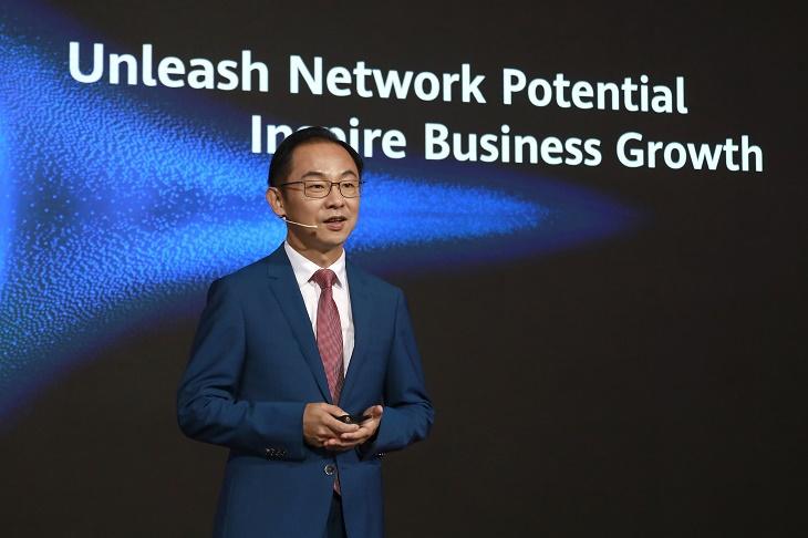 华为预计年底全球5G基站达150万个 行业标准仍待统一
