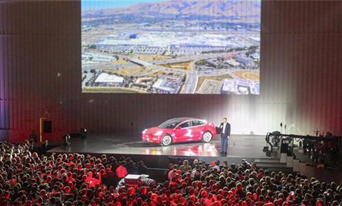 马斯克:特斯拉400Wh/kg 电池有望在三到四年内量产
