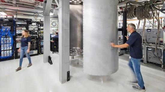 1000个量子比特量子计算机或于2023年实现