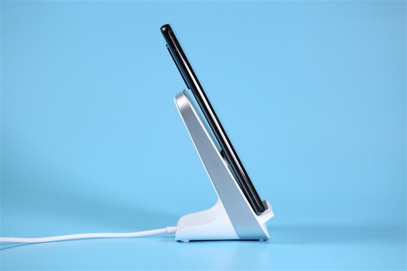 百瓦无线充电还远吗?年度无线充电盘点:一味拼功率的时代已经结束了