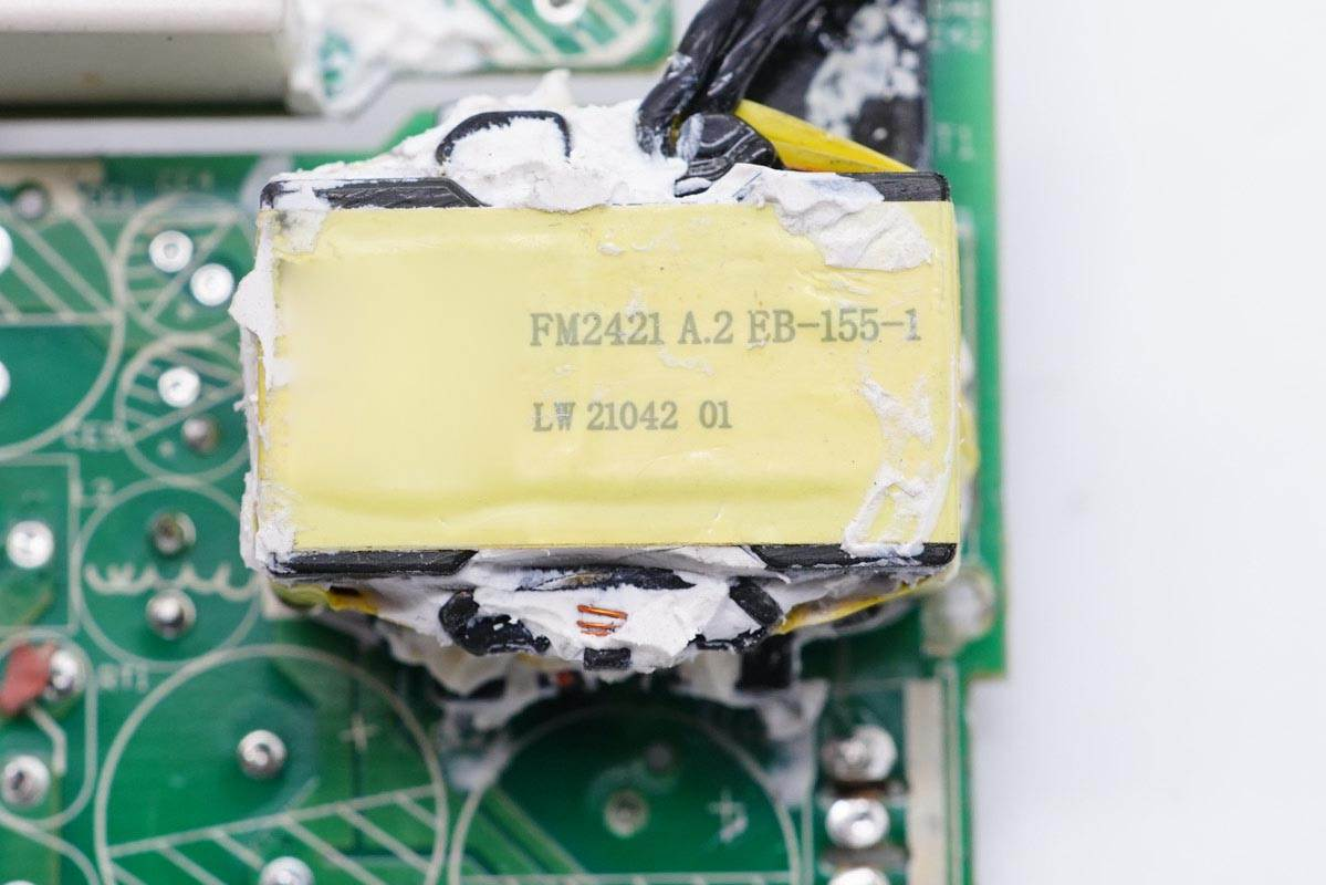 拆解报告:小米11 Pro/Ultra标配67W快充充电器-充电头网
