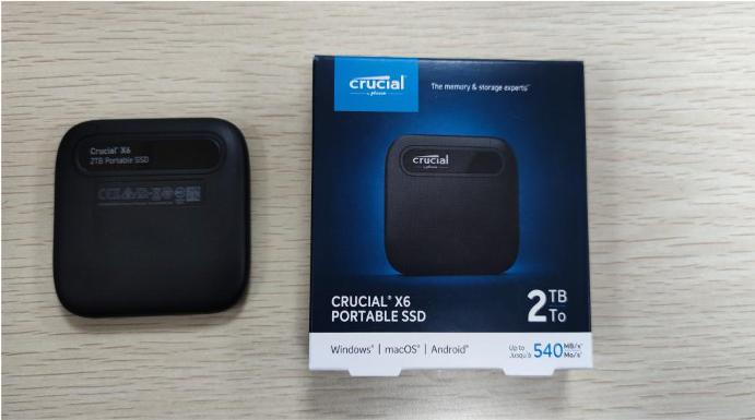 """Crucial X6移動固態硬盤評測:將2TB數據塞進""""耳機盒"""""""