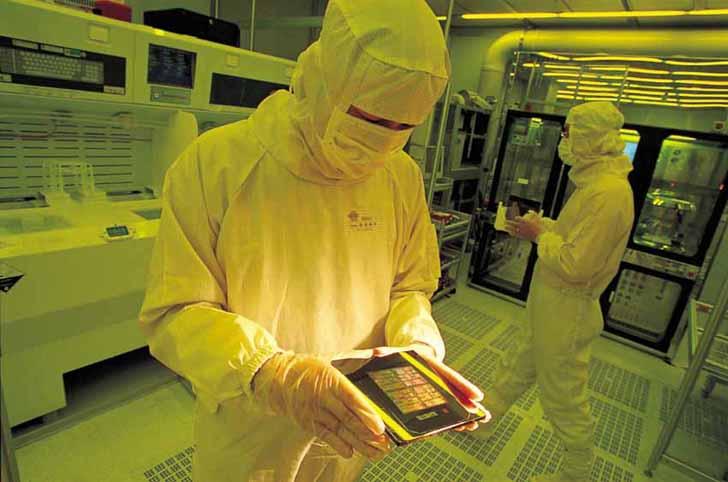 恩智浦推出兩款采用臺積公司16納米FinFET技術的處理器,加速汽車處理創新
