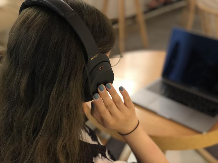 久石让X宫崎骏音乐会-戴上索尼头戴式降噪耳机WH-1000XM4解锁用耳朵听动漫!