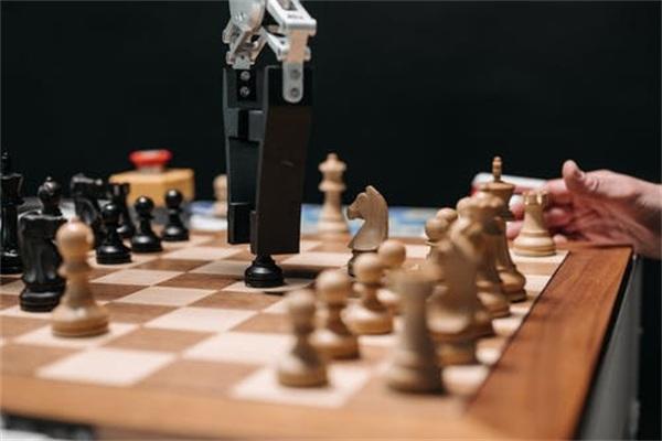 困局与创新:新时代下智能机器人如何走向未来?