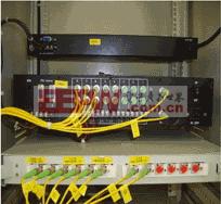 图6 机柜安装的扩展单元