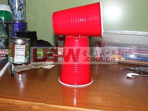 饮料杯自制耳机扩音器-让你的耳机变成音响