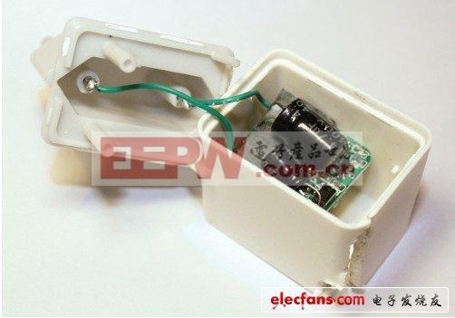 我买的那台无牌充电器不考虑其欧洲标准的插头,其长度还超过一英寸