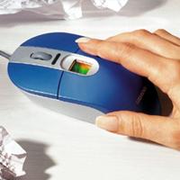 带有内置指纹扫描仪的计算机鼠标
